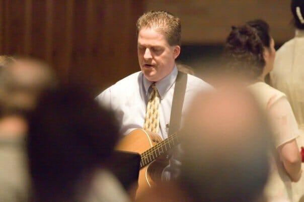 Doug Vos singing