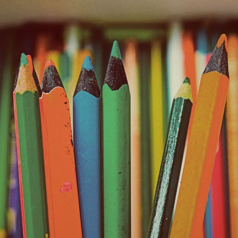 Assorted color pencils - free image from Unsplash